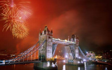 Free Light up the Night Tower Bridge