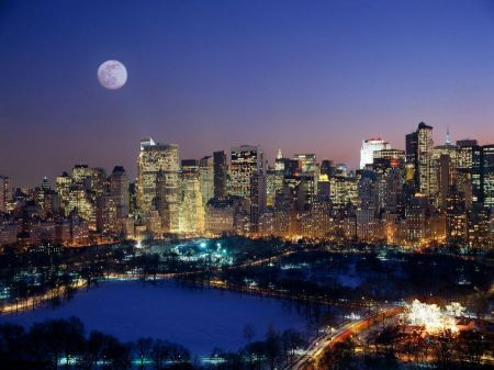 Free Moonrise Over Manhattan
