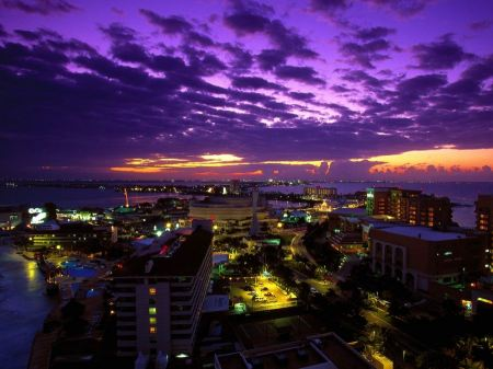 Free Cancun at Twilight Mexico