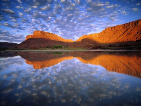 Free Buttermilk Clouds Reflection on Colorado River