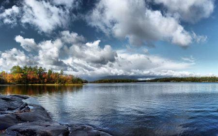Free Tranquil Lake Wallpaper