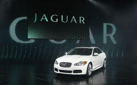 Free 2010 Jaguar XFR 6