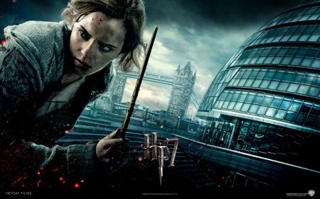 Free Emma Watson in Harry Potter and the Deathly Hallows
