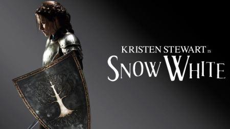 Free Kristen Stewart in Snow White Dark Wallpaper