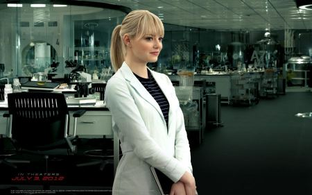 Free Emma Stone as Gwen Stacy in Spider-Man 3 Wallpaper
