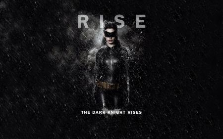 Free Catwoman in The Dark Knight Rises Wallpaper
