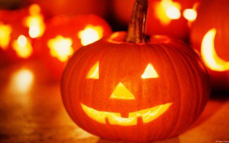 Free Halloween Lantern Wallpaper