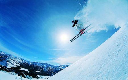 Free Skier Leaving Snow Behind