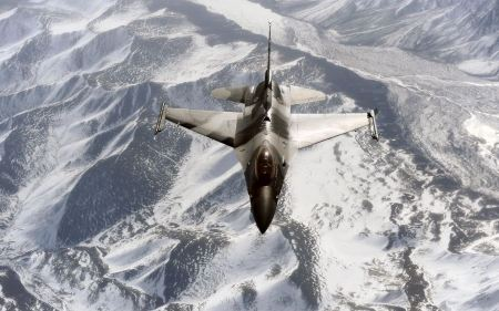 Free F 16 Aggressor Over The Joint Pacific Alaskan Range Wide