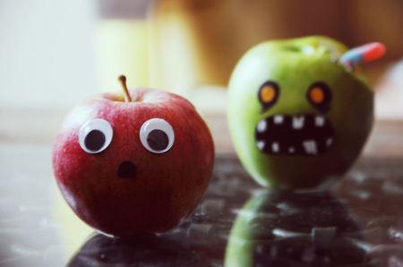 Free Run Zombie Apple Behind