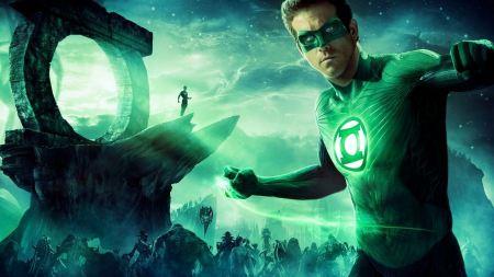 Free Ryan Reynolds in Green Lantern
