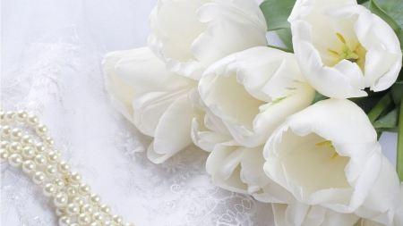Free Beautiful White Bouquet