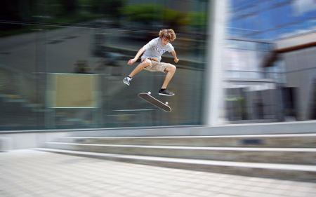 Free Mid-Air on a Skateboard