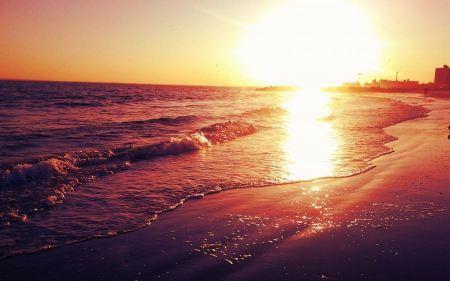 Free Sun Setting on Shore