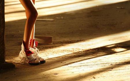 Free Long Leg Sneakedr-Wearing Girl