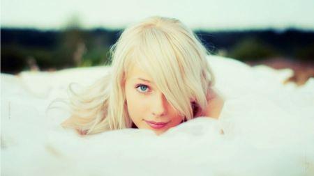Free Blue Eyed Blonde Girl