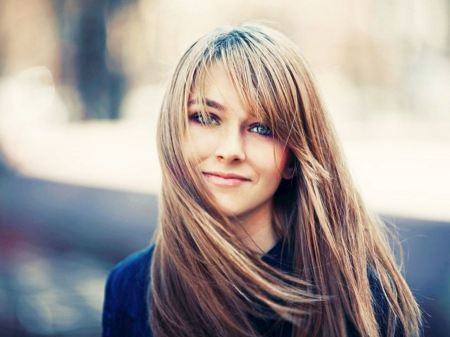 Free Blondes Girl With Blue Eyes Smiling Wallpaper