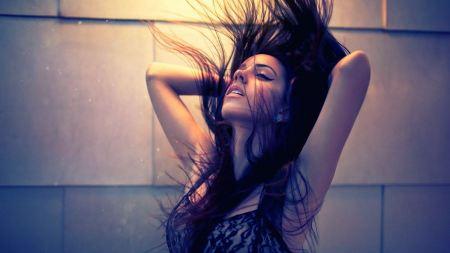 Free Girl's Hair Blowing Wallpaper