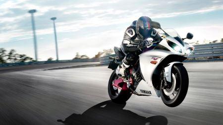 Free Quick Yamaha on One Wheel