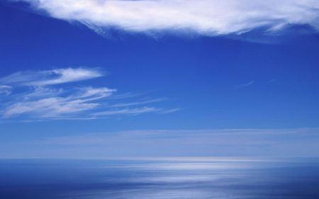 Free Blue Sky Wallpaper