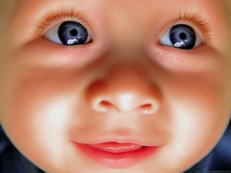 Free Cute Baby Face Wallpaper