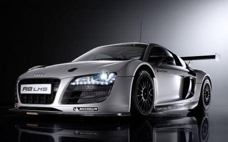 Free Attractive Audi Racecar