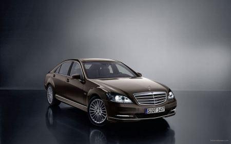 Free Brown Mercedes Benz