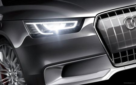Free Shiny Audi Headlight