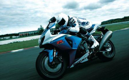 Free Suzuki GSX R1000 Action