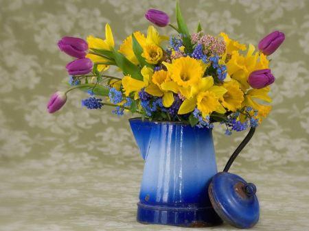 Free Spring Flower Arrangement